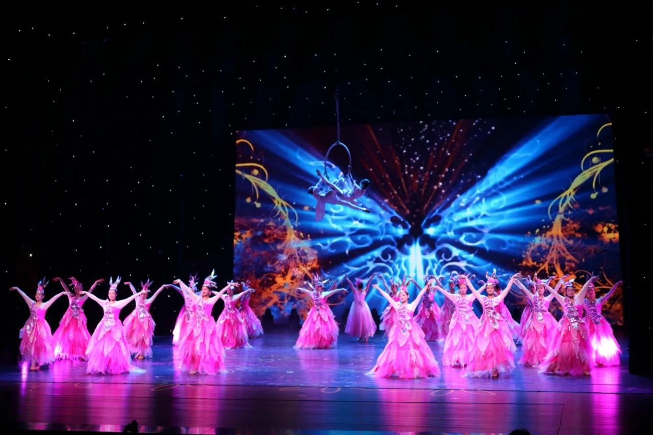 桦茧成蝶——盛桦舞行五周年庆舞蹈专场在成都新声剧场举行展演活动