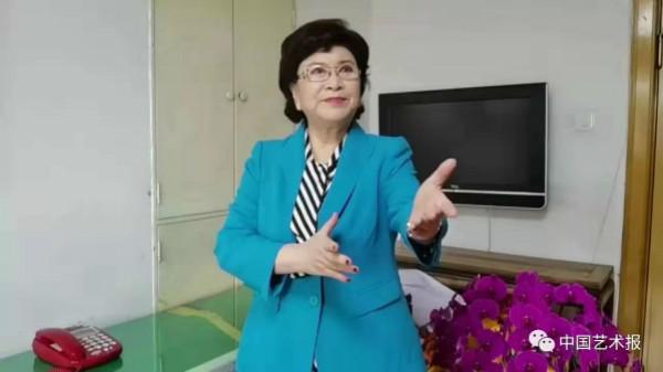 家人弟子齐行动 刘兰芳用评书礼赞抗疫英雄